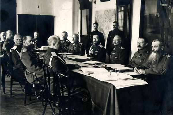 Военный совет (1916)