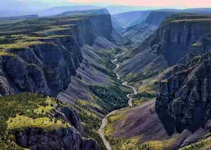 Долина безголовых, Канада-1