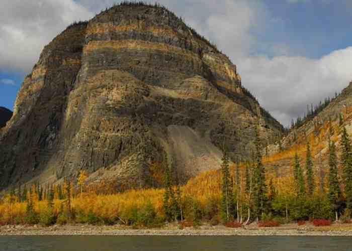 Долина безголовых, Канада-3