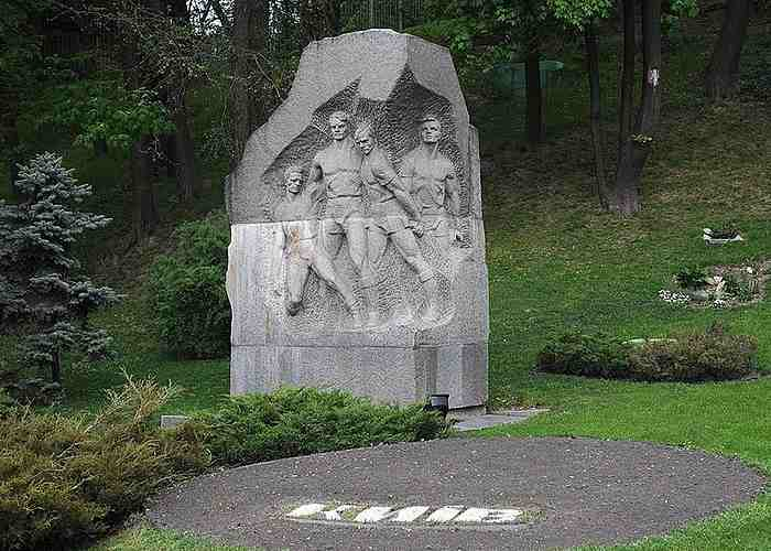 Матч смерти 1942, памятник