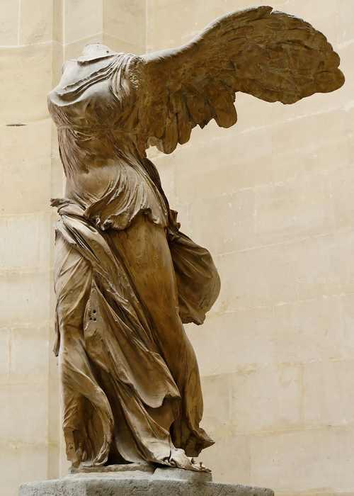 Ника Самофракийская скульптура-3
