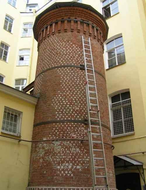 Башня Грифонов в Санкт-Петербурге-1