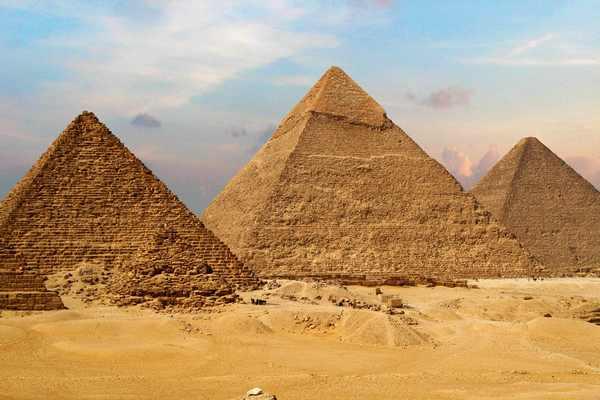 Пирамида Хефрена в Гизе-1