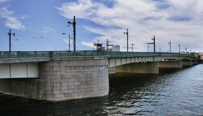 Литейный мост в Санкт-Петербурге-7